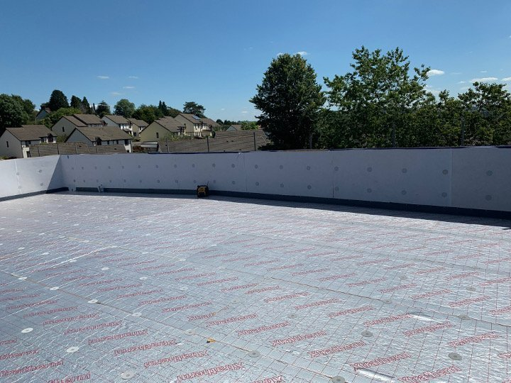 insulation layer for single ply roof
